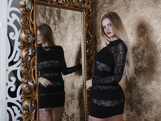 KrissMeloni -Sweet and very hot