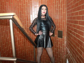 image of tranny cam model CharlotteBrooks