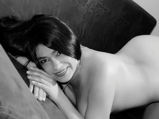 Voir le liveshow de  Karladirty2 de Livejasmin - 40 ans - I am the wildest sexy lady here who loves to play and make you cum. Visit me for the best se ...