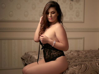 SplendidLarissa Marvellous Big Tits LIVE!-I am Larissa I am