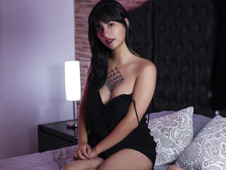 HollyAkers Marvellous Big Tits LIVE!-I am an adorable and