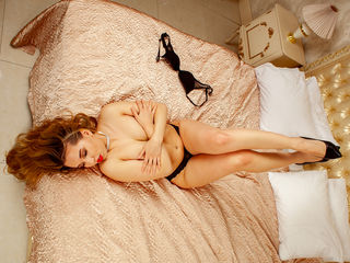 LeaCrystal Amazing Cam Girls-Spicy playful kitten