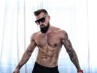 Disfruta de chats de sexo en directo Musclerap de Livejasmin - 24 años - Hello there! If You see me on-line that means I'm as horny as hell - since I ...