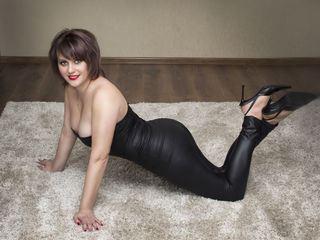Voir le liveshow de  SsummerTime de Livejasmin - 40 ans - I'm still waiting for my romantic prince on white horse to arrive. Are You romantic or lonel ...