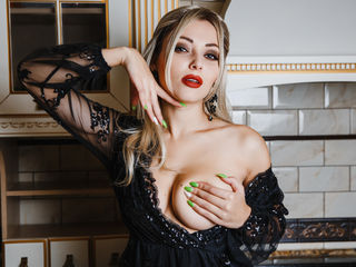 CuteGia -Posh girl for sweet