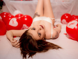 BriannaKlade - I am romantic and
