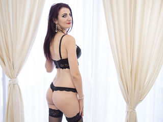 SilviaBorne Addicted live porn-Silvia here your new
