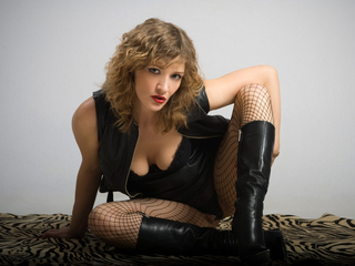 Voir le liveshow de  Tigritsa36 de Livejasmin - 44 ans - Nobody ever proven that life is a serious thing - thus I would advise You to sit back, relax  ...