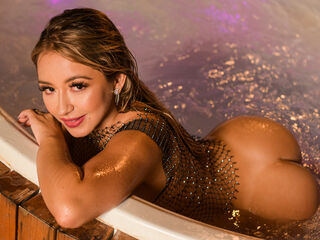 MarianaDalessio ,  girl Cams , I love to get masagges in all my body with oil tha