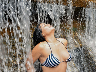 ArianaLiz Marvellous Big Tits LIVE!-Hi guys I m the fun