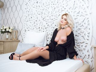AnnyaRose -I am an open minded