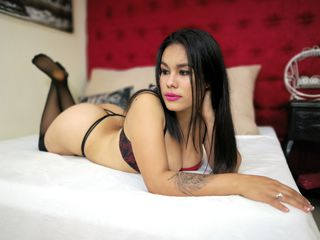 KeniaMaison -I am a latin girl