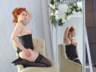 MonicPleasure Webcam Live-Hello my dear