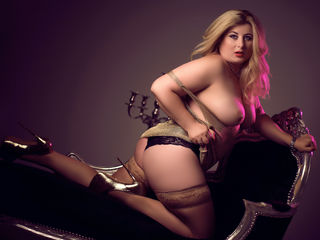 ElegantSandra Marvellous Big Tits LIVE!-Hey there I m a