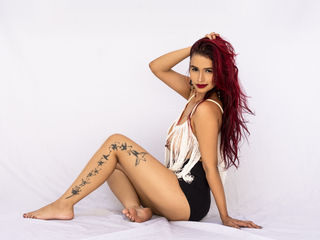 SEXXXYCAROLIINE Addicted live porn-I love to laugh I am