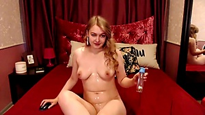 Blonde Shows An Amazing Pussy Fingering