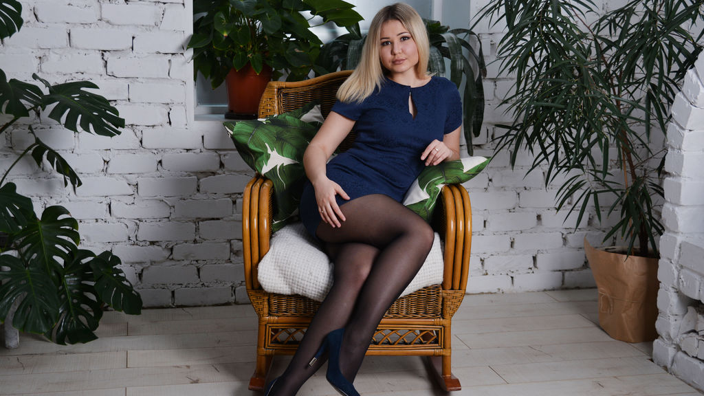 Watch the sexy SoniaBreeze from LiveJasmin at GirlsOfJasmin