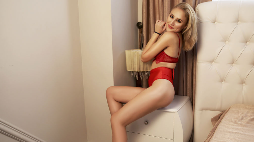 Watch the sexy SuperbKayla from LiveJasmin at GirlsOfJasmin