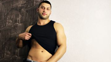 TheLoveMuscle webcam show