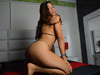 24 athletic latin female brown hair black eyes JulianaExotic