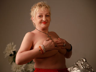 UrFunnyGranny Live XXX-Come into my private