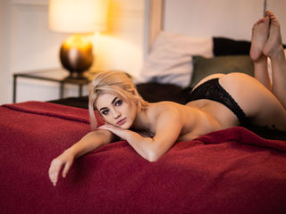 ManyaArtBlond Adults Only!-A girl who wants to