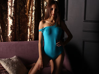 IndiraGraceful Adults Only!-My name is Milan,
