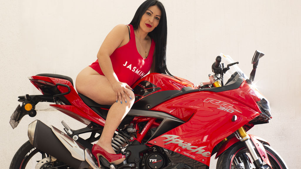 Watch the sexy ScarlettElenore from LiveJasmin at GirlsOfJasmin