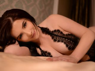 FabyaClover Live sex-My name is Amanda,