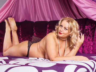 SquirtRainXXX Jasmin Live-Hello i am Elly  and
