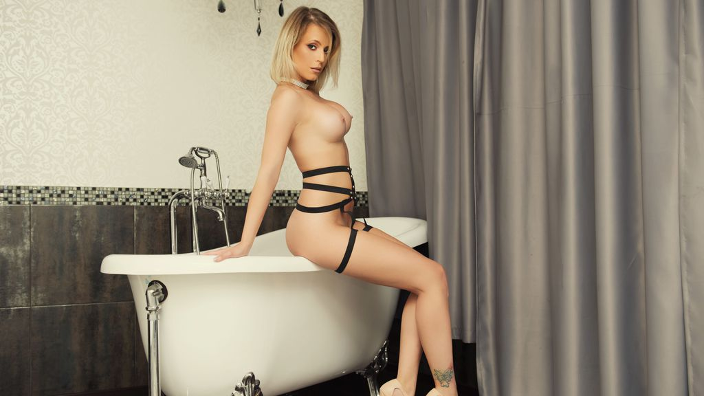 Discover and Live Sex Chat with EvaDiamondxxx on Live Jasmin