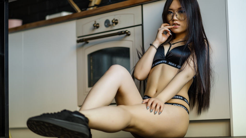 Watch the sexy ElcinKayi from LiveJasmin at GirlsOfJasmin