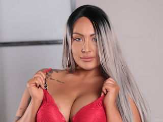 Webcam model DanielleLouise from Web Night Cam