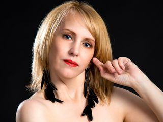 Webcam model NaughtyAnn25 from Jasmin