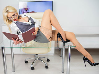 LouisaCream LiveJasmin-I'm the Dominant