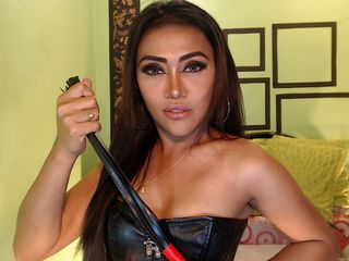 pic of TS webcam model TANasianCUMMER
