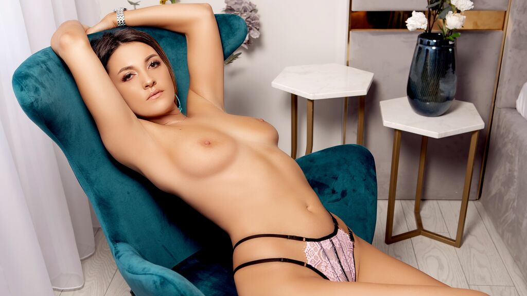 Watch the sexy EmiraMiller from LiveJasmin at GirlsOfJasmin
