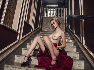 BeutiDiamond Adults Only!-I m a petite babe