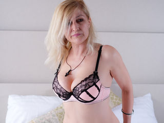 MatureAdultFunn Masturbate live-Hello, Anna is here,