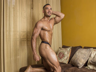 DOMINICRAW: Live Cam Show