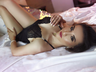 SensuousAmirah Live XXX-I am a loving person