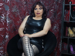 50 Is My Age, I'm A Camming Easy Babe And I Am Named AlyssaJanssen