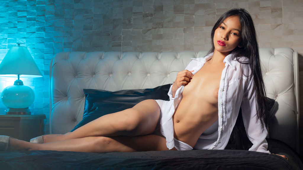 Watch the sexy AliciaLincoln from LiveJasmin at GirlsOfJasmin