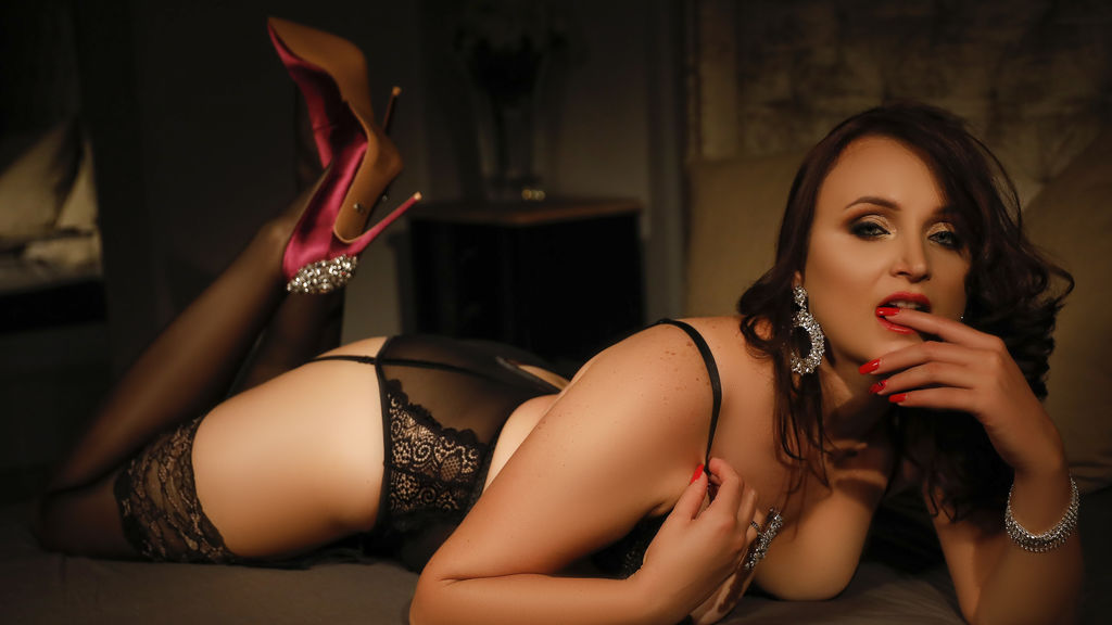 Watch the sexy AngelHaylie from LiveJasmin at GirlsOfJasmin