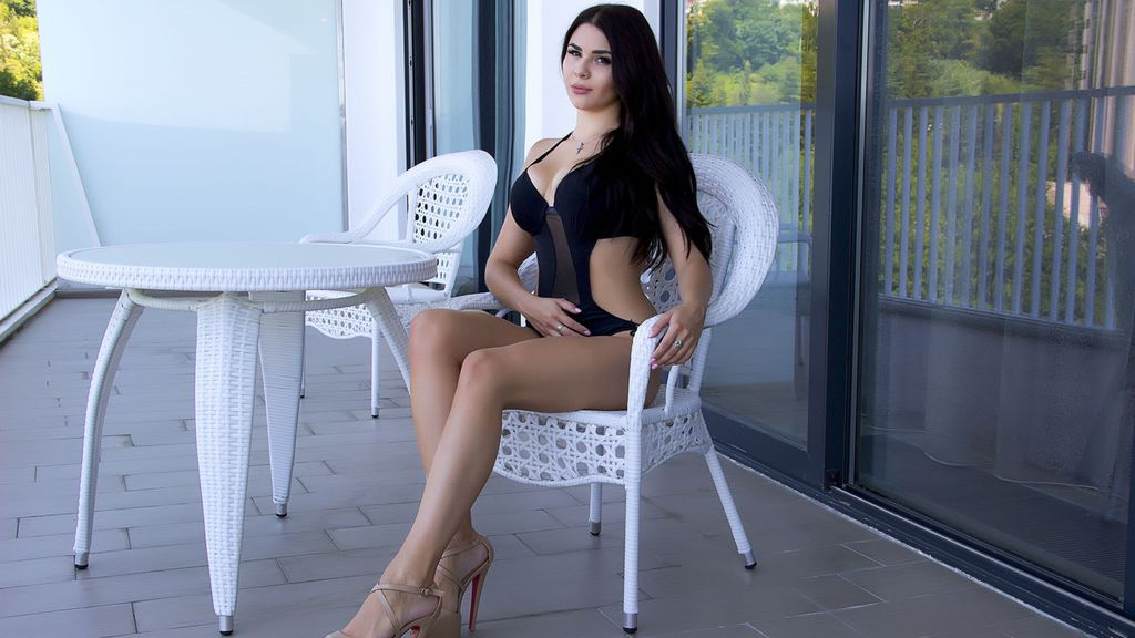 Watch the sexy MiaUAmour from LiveJasmin at GirlsOfJasmin
