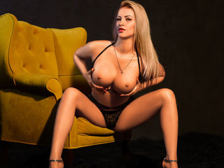 LOVELYBLONDIExx Sex-YOU NEED SOMETHING