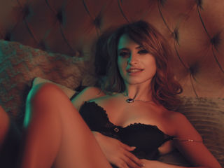 Webcam model DianneRichards from Web Night Cam