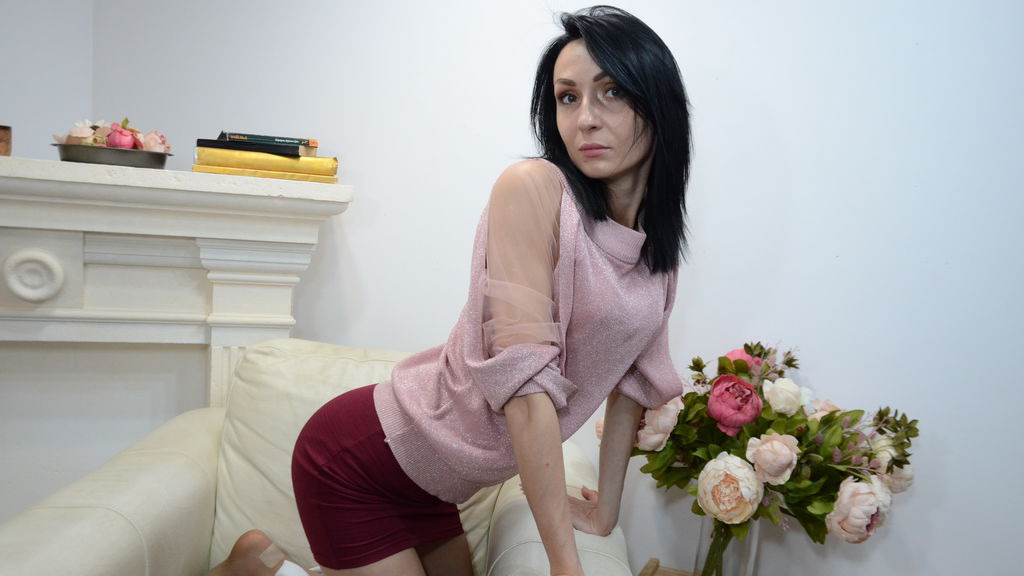 Watch the sexy CandyAmelia from LiveJasmin at GirlsOfJasmin