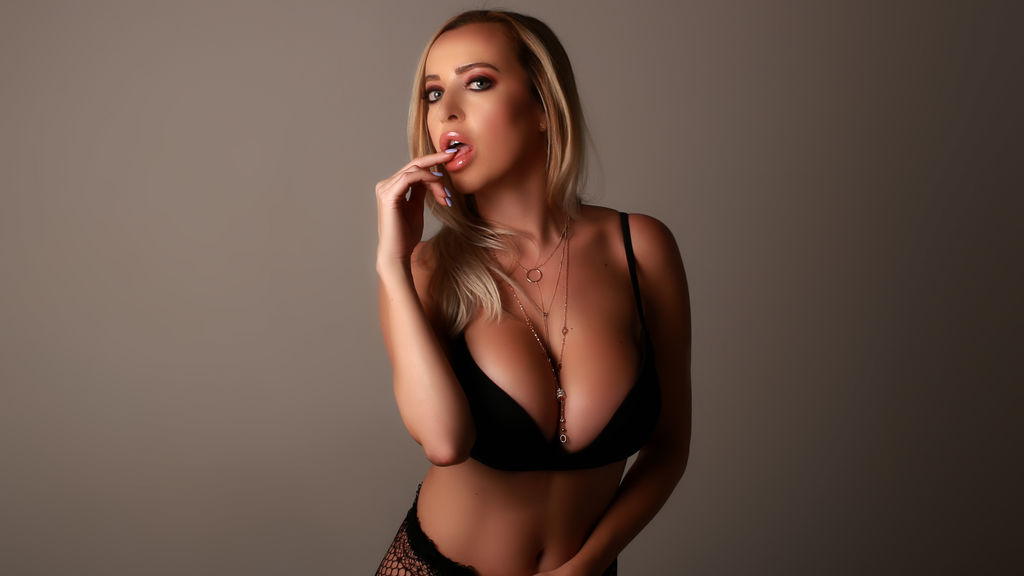 Watch the sexy GorgeousKeira from LiveJasmin at GirlsOfJasmin