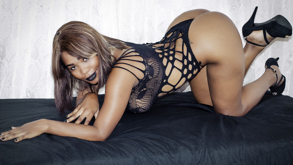 SalomeEbony online at GirlsOfJasmin